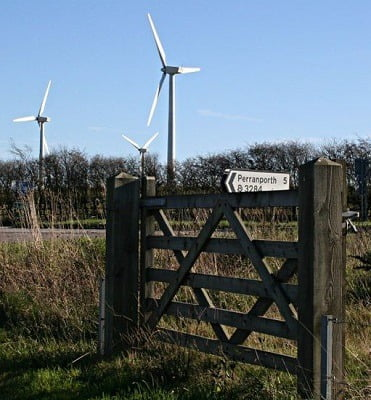 Gate_and_Turbines_-_geograph.org.uk_-_282456